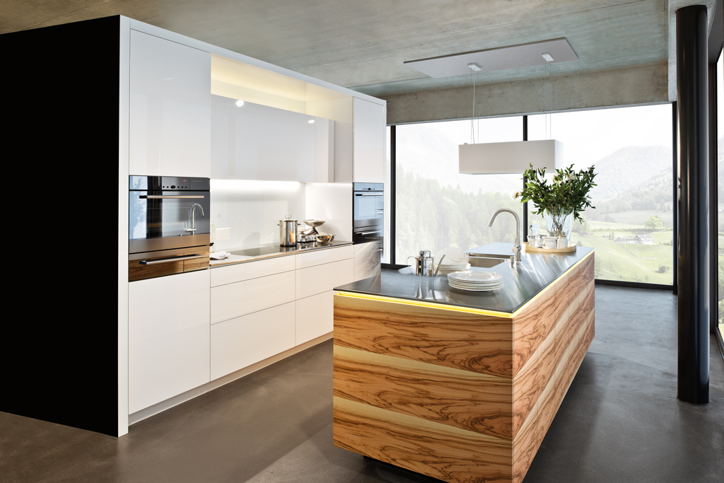 Emme-Küche aus Olivenholz