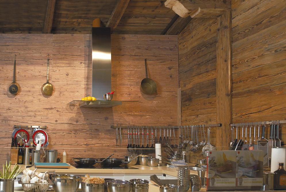 Küche aus Altholz - EMME - Die Schweizer Küche