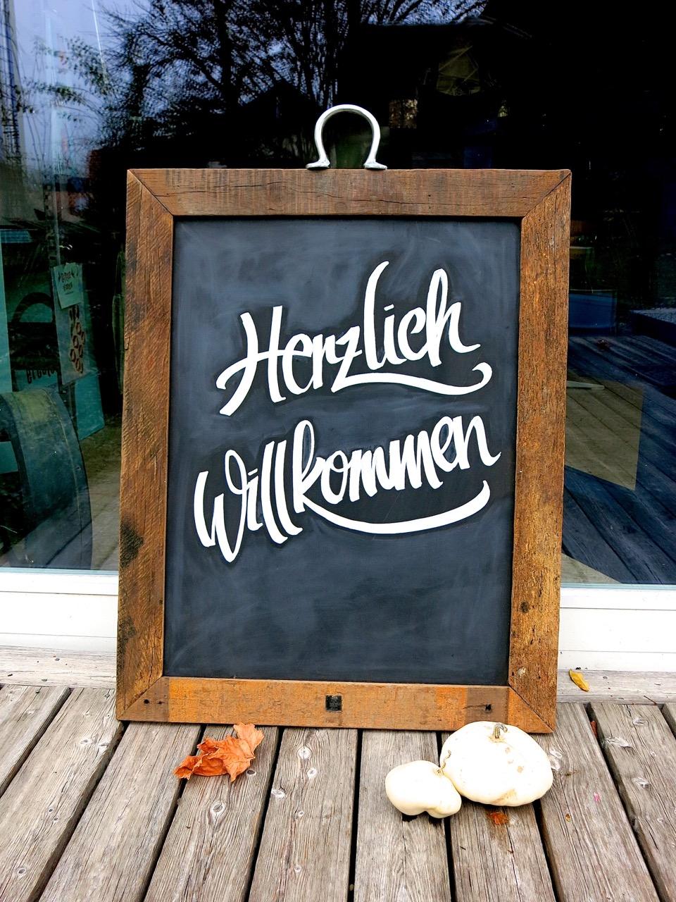 Schild Herzlich willkommen Handlettering