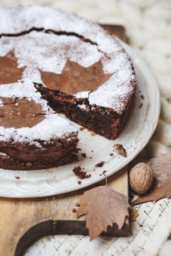 schokoladenkuche, herbstkuchen, herbst, backen, blätter auf kuchen, emmeküche, gwiegabriela, gabriela schneider,