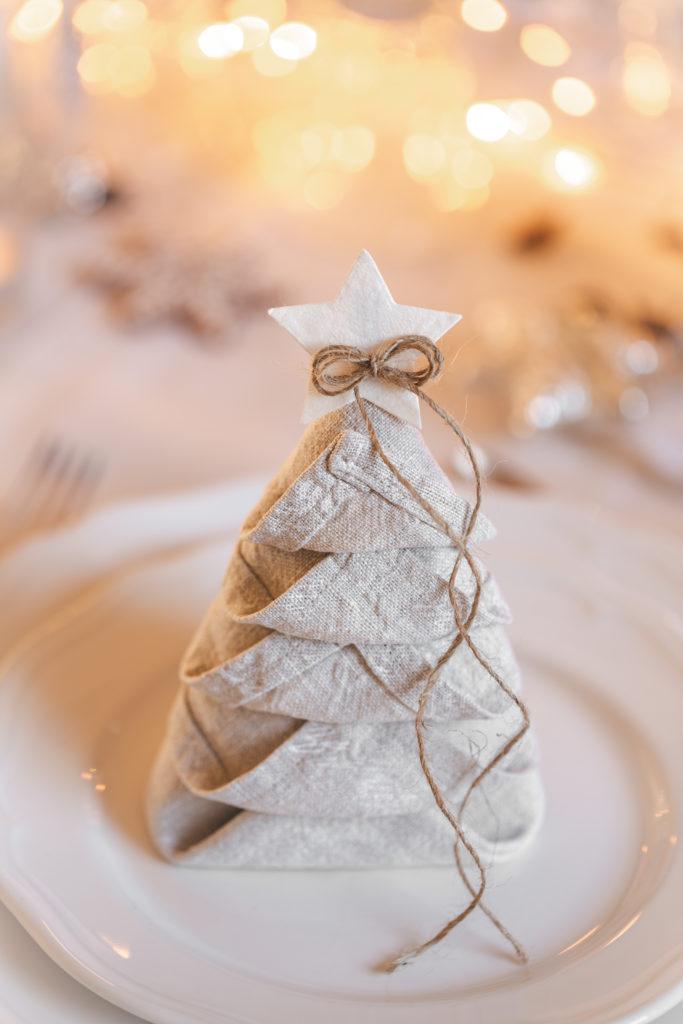 Tischdekoration, weihnachten, tischdekoration weihnachten, servietten falten, tannenbaumservietten, servietten tannenbaum