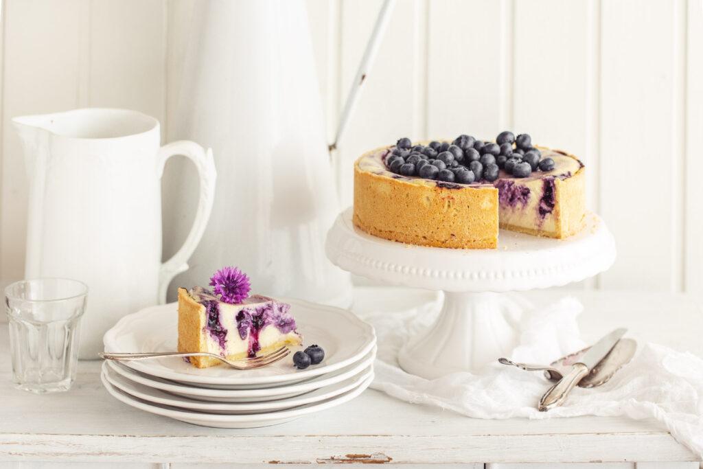 cheesecake, heidelbeer, heidelbeerchesecake, käsekuchen, backen, sommer, sommerkuchen, emmeküche, gwiegabriela